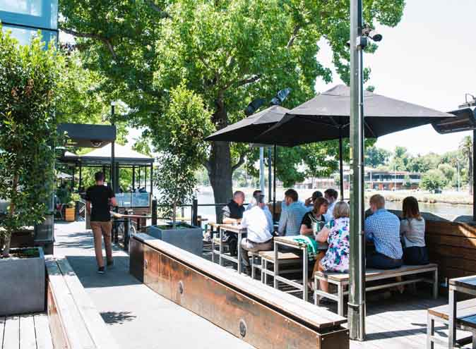 Riverland Bar – Waterfront Dining