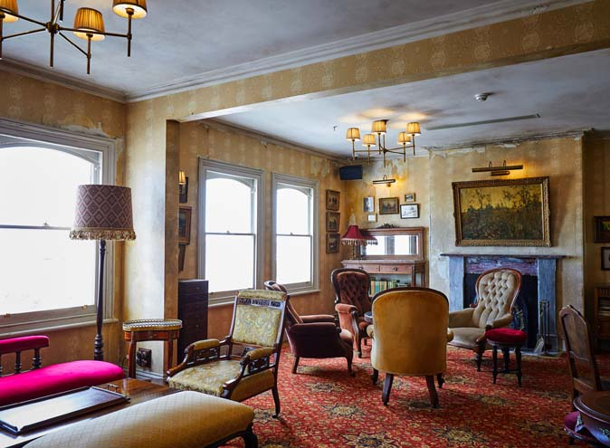 Hotel Esplanade – Live Music Bars