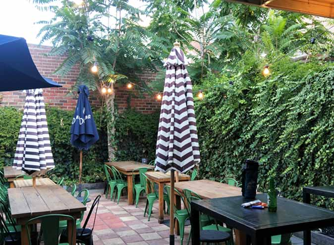 Smokin Barry's <br/> Great Courtyard Venues