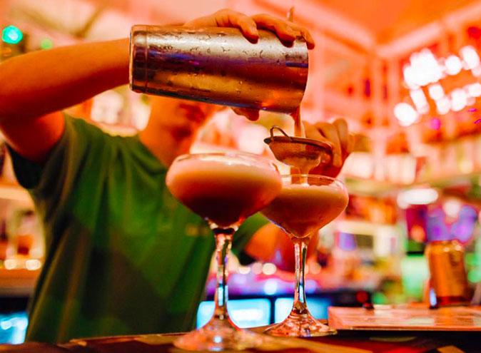 Holey Moley – Minigolf Bar