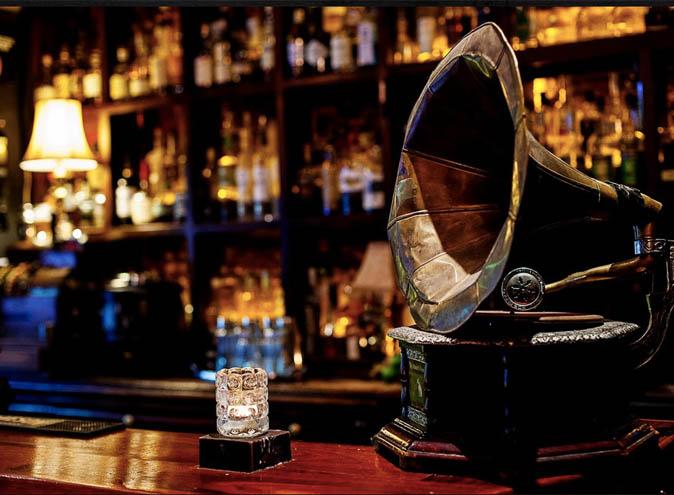 Caz Reitop Dirty Secrets – Top Bars