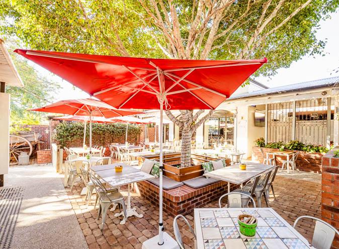 Norman hotel bars brisbane bar woolloongabba beer garden outdoor pub top best good 004